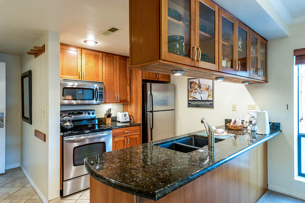 shadow-ridge_standard-1-bedroom_kitchen_high_5.jpg