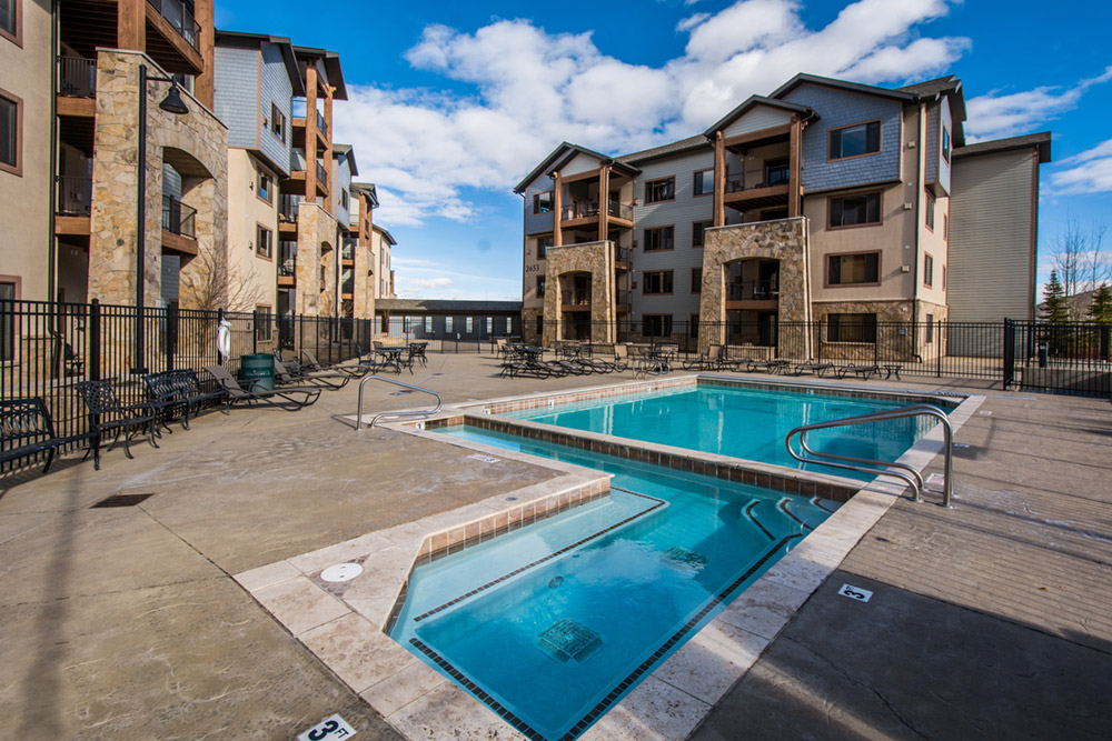 silverado-lodge-3-bedroom-loft-condo-at-canyons-village_exterior_high_26380891.jpg