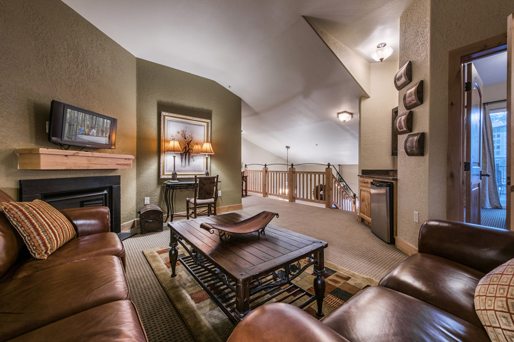 silverado-lodge-3-bedroom-loft-condo-at-canyons-village_loft_high_26381211.jpg