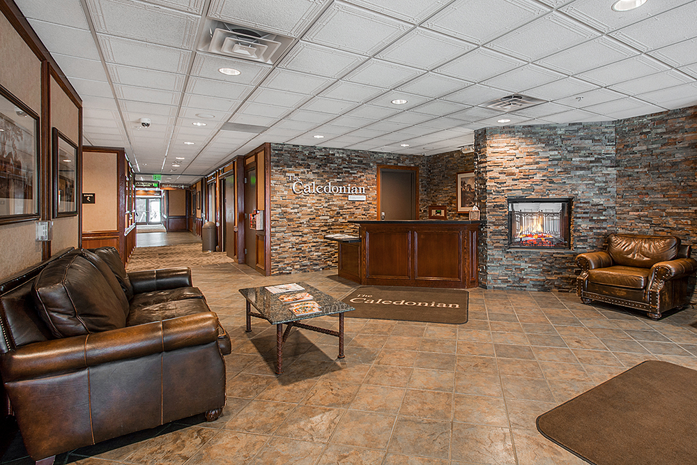 the_caledonian_ammenities-lobby_high_2.jpg