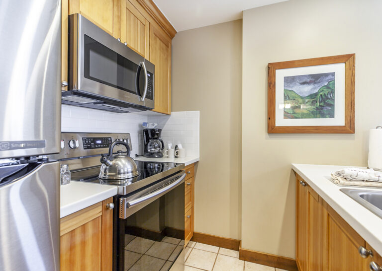 Meal prep is easy in a Sundial Lodge 2-bedroom condo