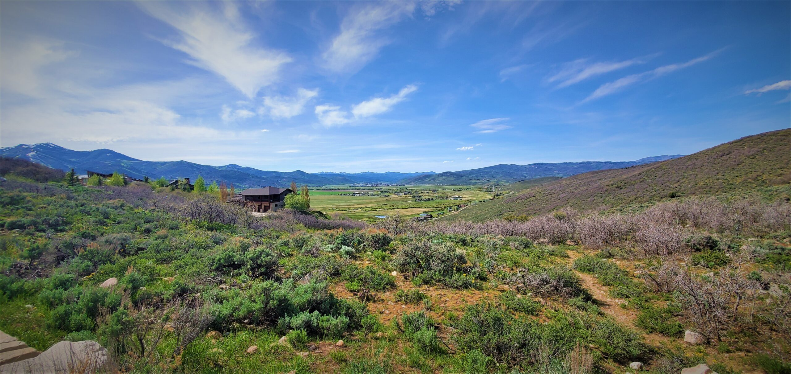 Cover Trailhead Panoramic View of Valley and Surrounding Mountains Near Park City Utah