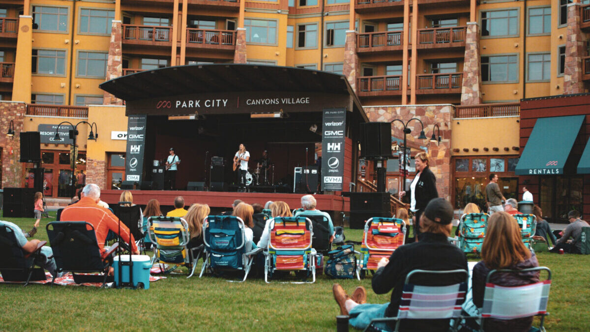 summer outdoor concert on the lawn of sundial lodge in park city utah