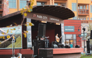 sundial lodge outdoor concert series in summer